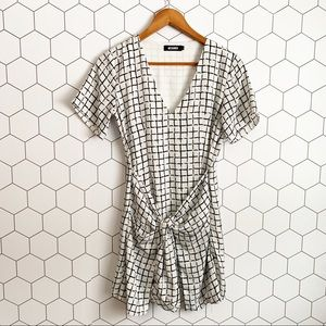 Missguided Dresses - Missguided white windowpane tie front dress